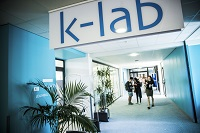 photo_k-lab_bloc_adresse.jpg